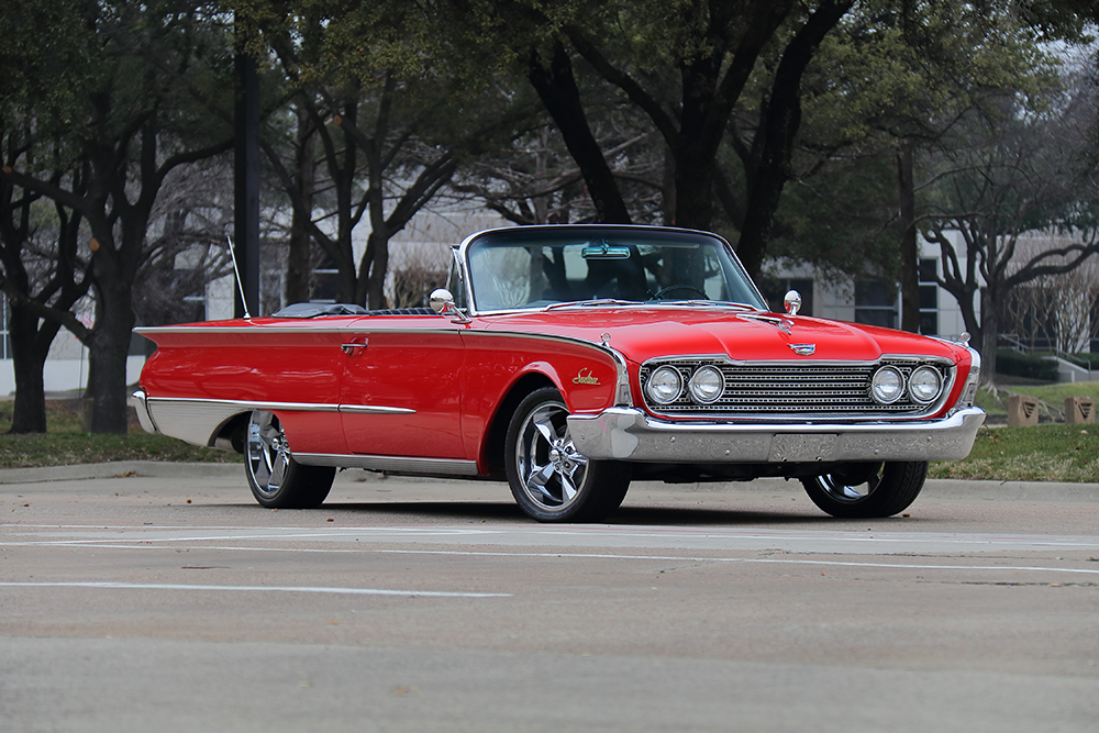 1960_Galaxie_front_convsmall