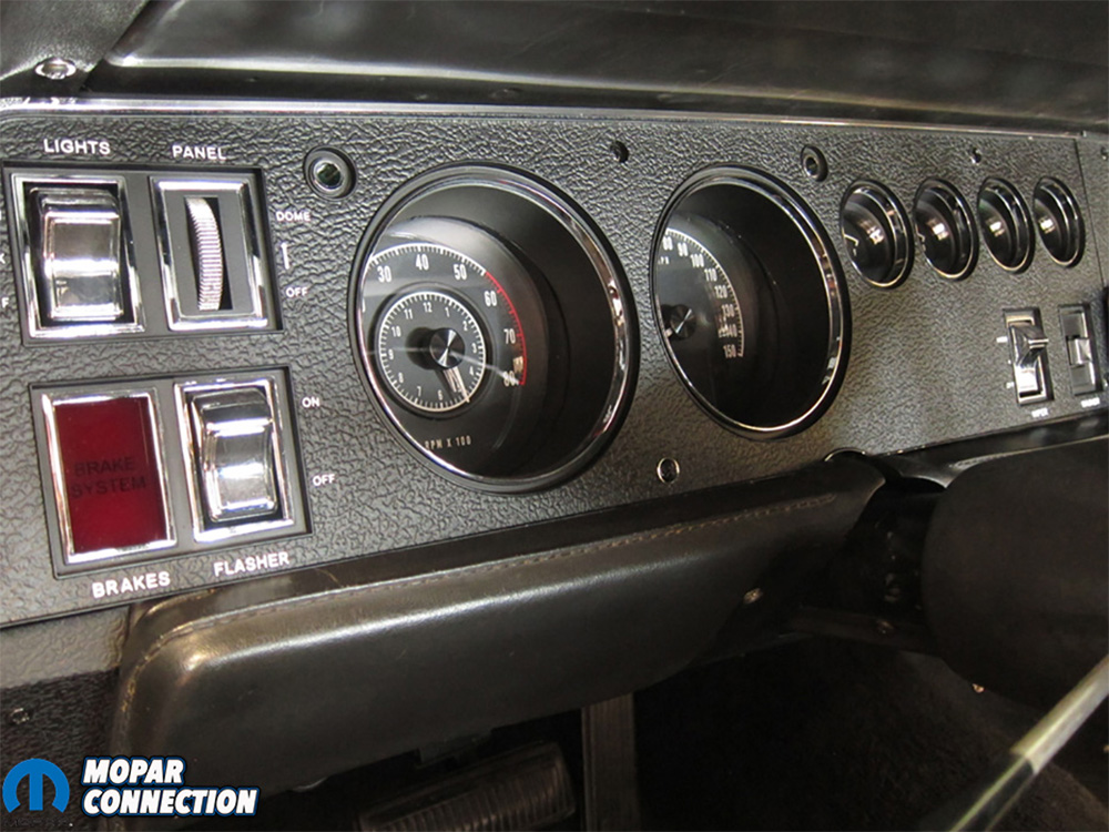 Dodge_interior_restoration_06