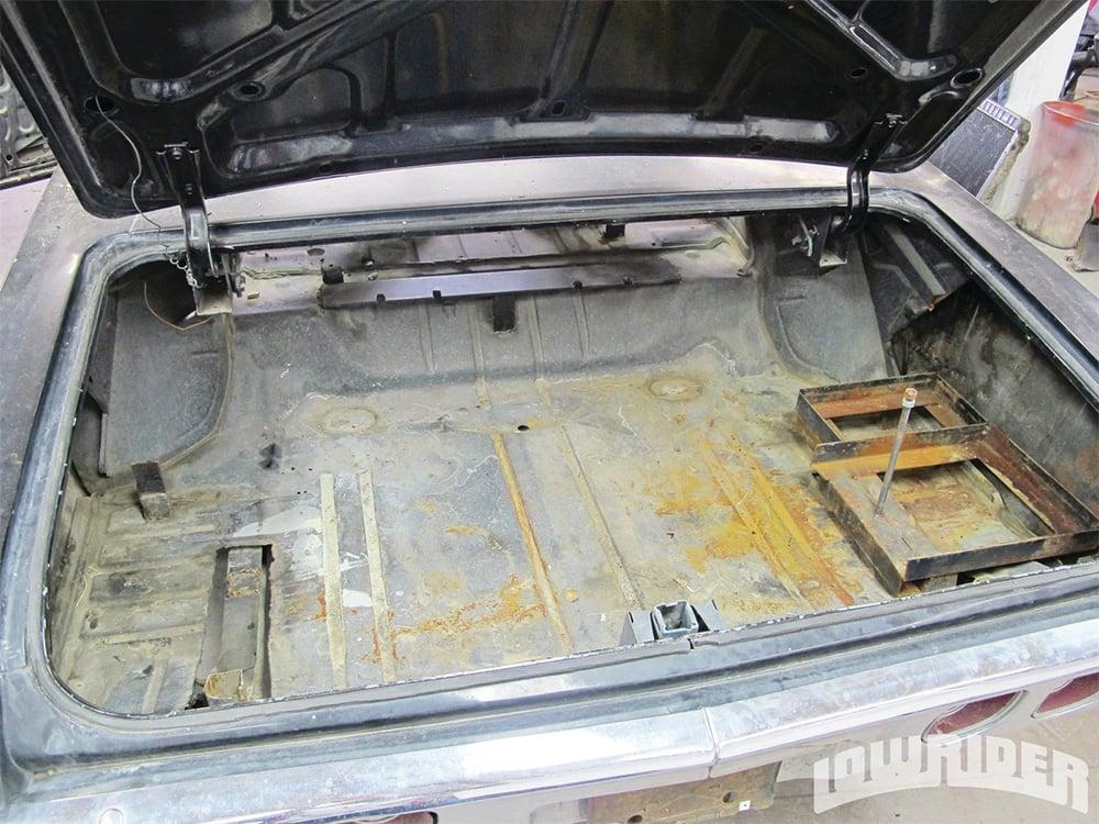 Impala_classic_car_rust_repair