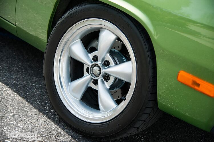 72 Valiant Wheel.jpg