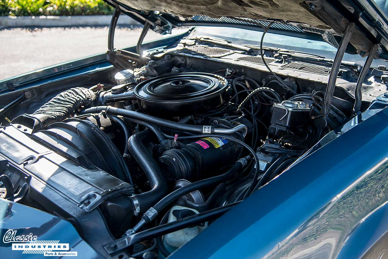 77-Camaro-Engine