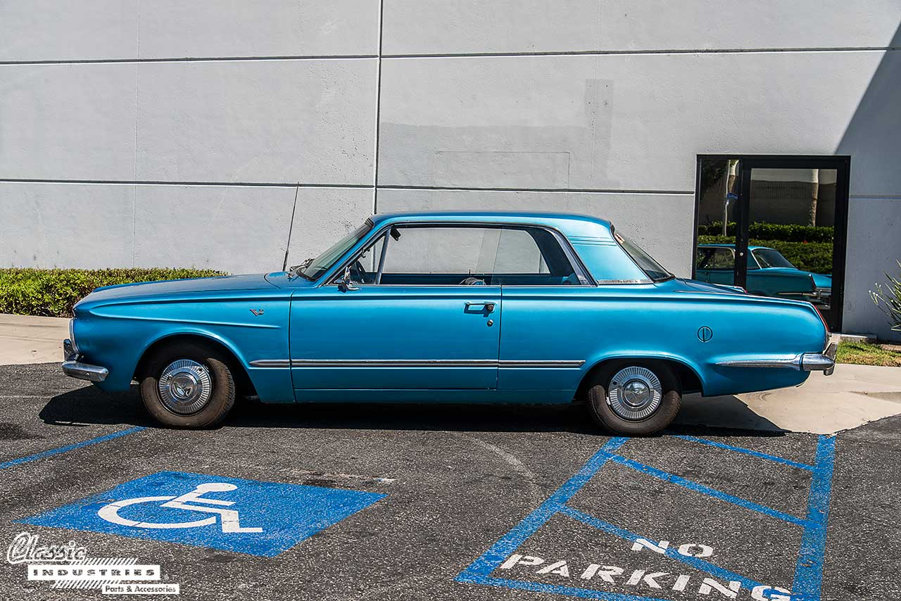 64-Valiant-Side