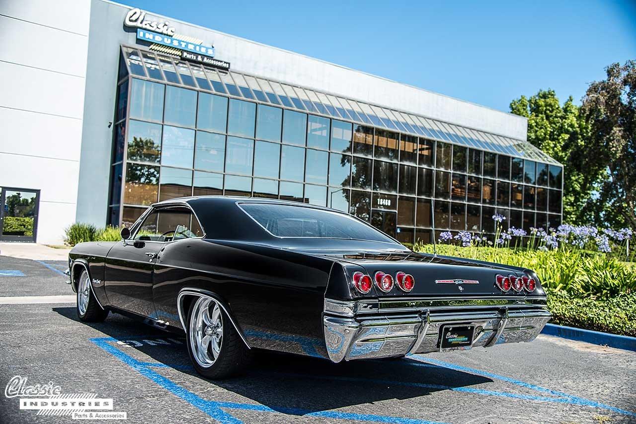 65-Impala-Building