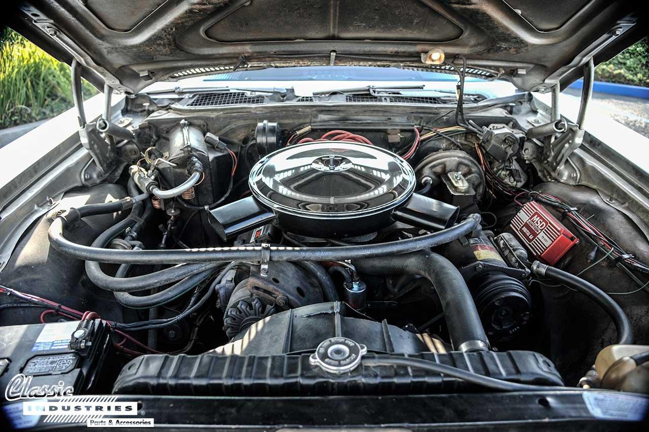 70-Caprice-Engine