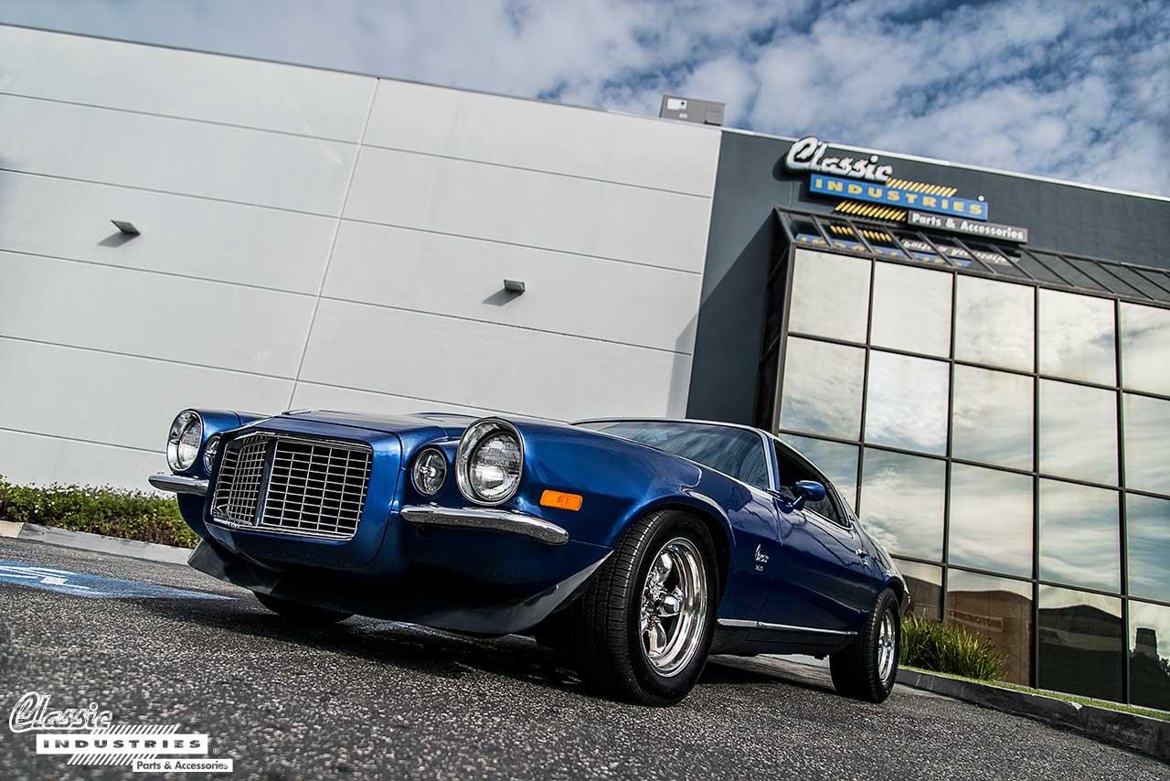 73-Camaro-Building