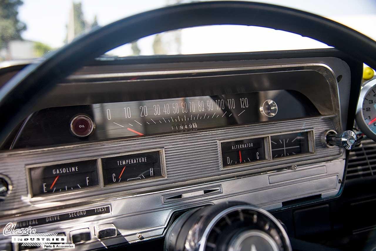 63-Dodge-330_Cluster