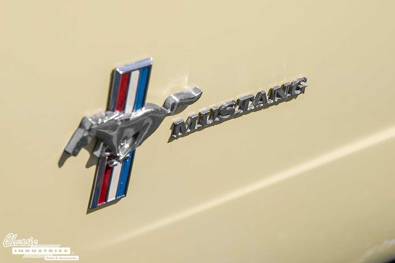 64-Mustang_PonyEmblem