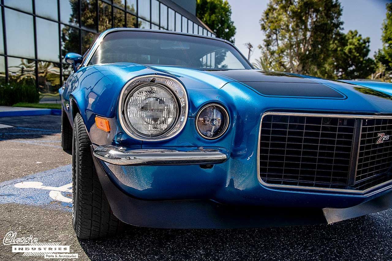 70-Camaro-Blue-BlkStripes_Headlight