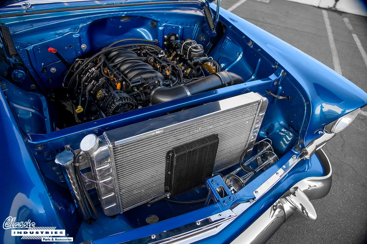 56-210-Chevy_Engine