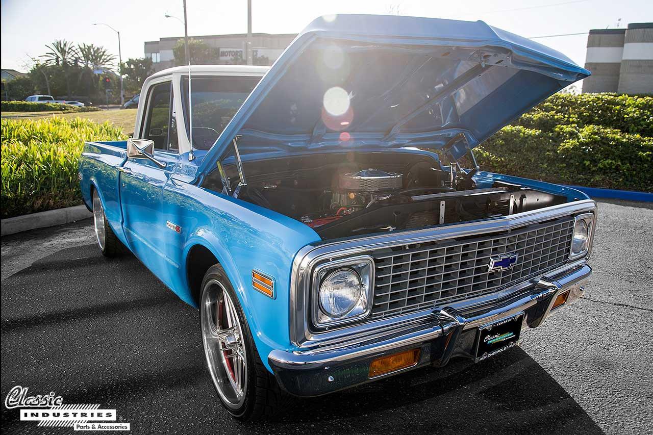 69-C10-Blue_HoodUp