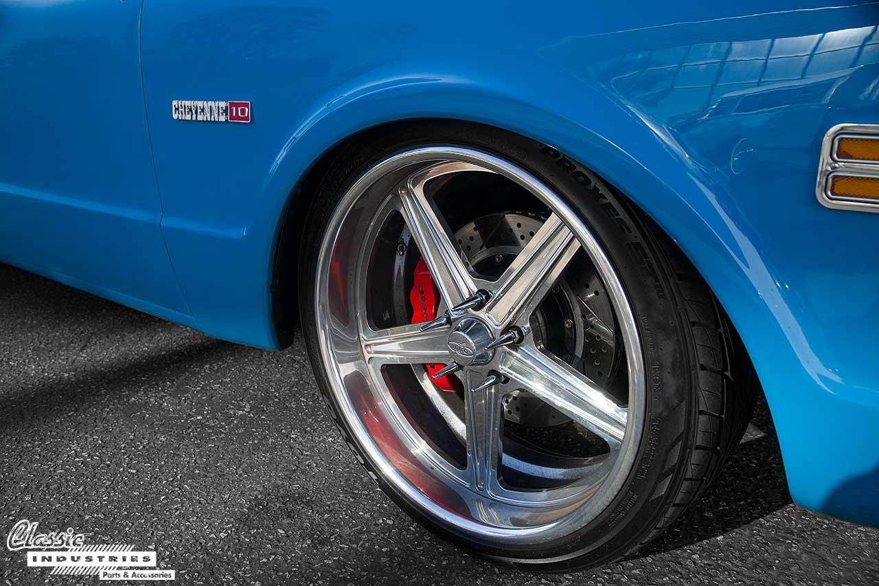 69-C10-Blue_Tire