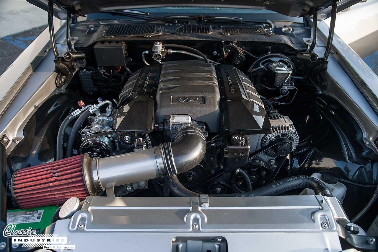 72-Camaro_Engine