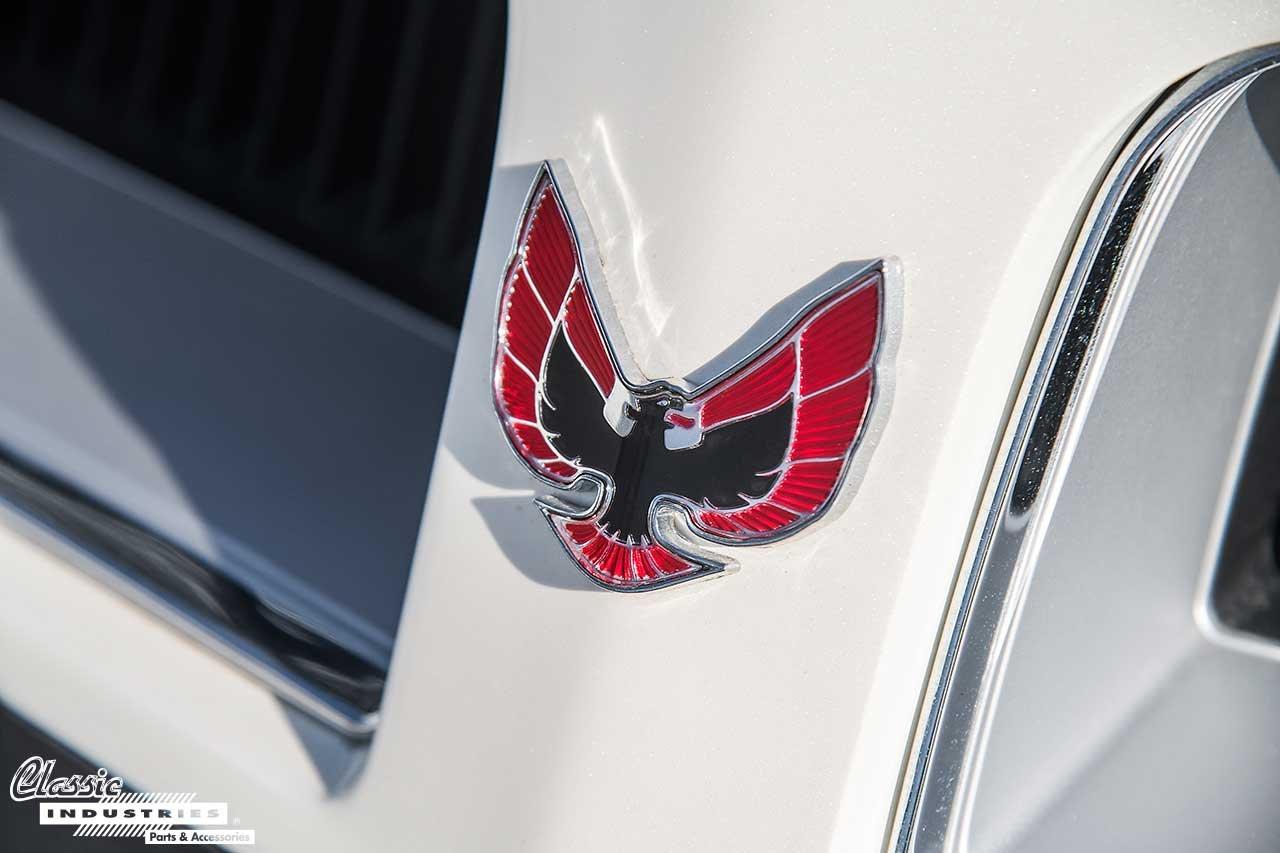75-White-TransAM_Emblem