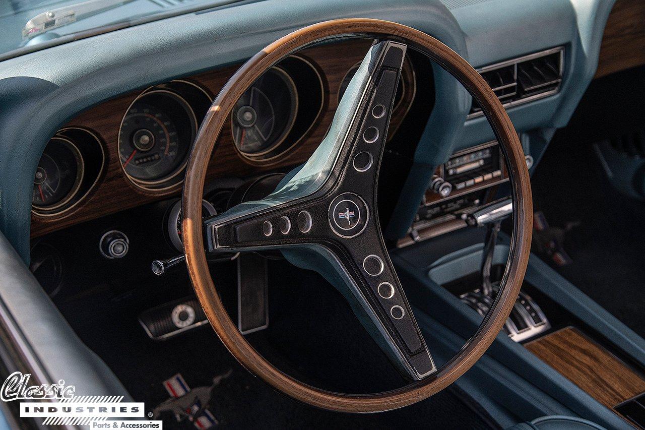 69ConvMustang_SteeringWheel