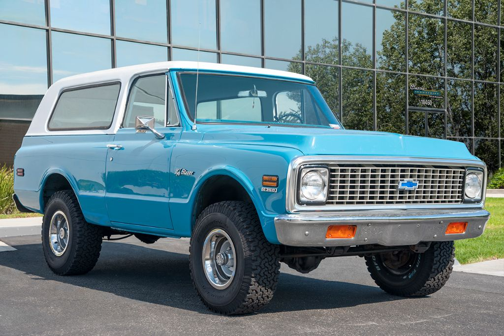 Blue '71 K5 Blazer 1