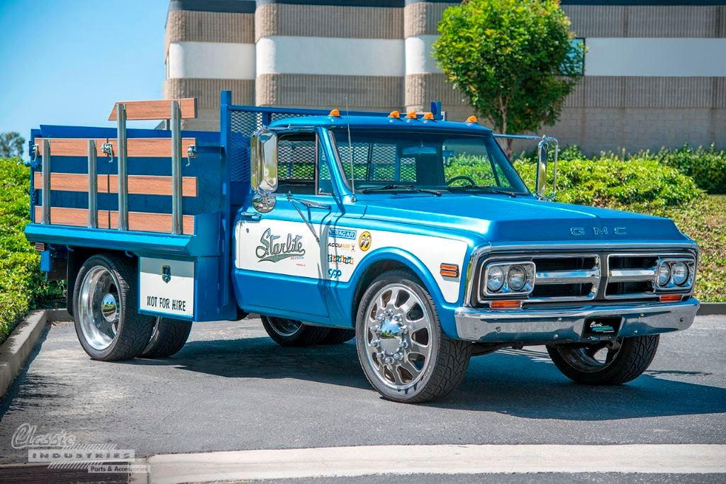 Blue '72 GMC 01