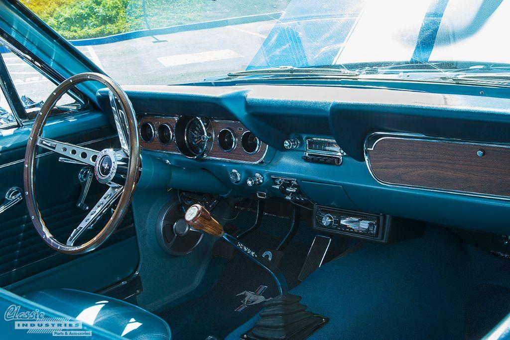 Mustang 4