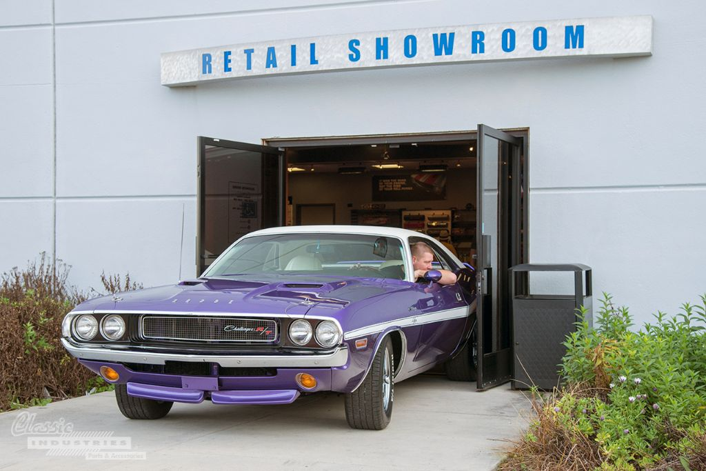 Purple 70 Challenger RT 13