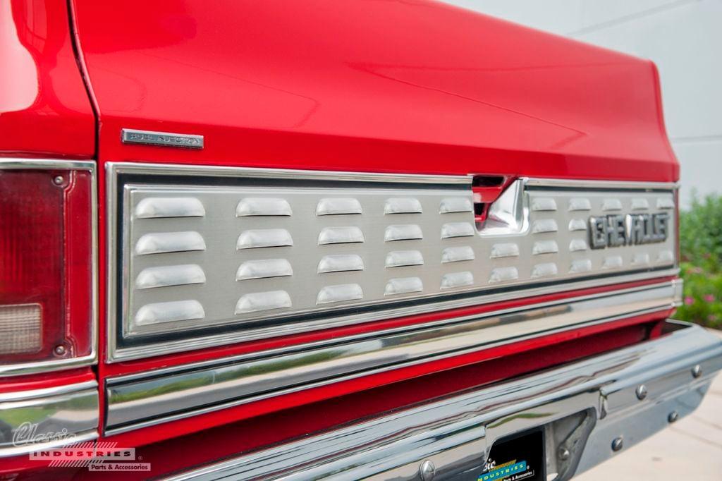 Red 87 Silverado 03