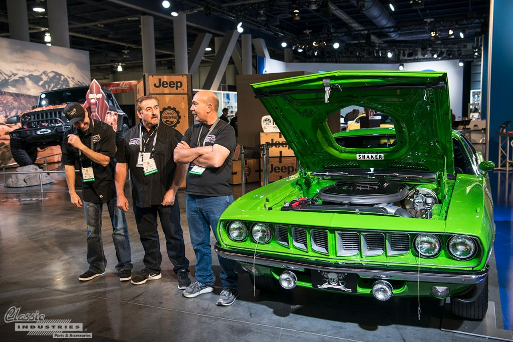 This eye-catching '71 'Cuda was built by the Graveyard Carz team, and displayed in the Fiat Chrysler Automobiles booth. We contributed many parts to this resto-mod project.