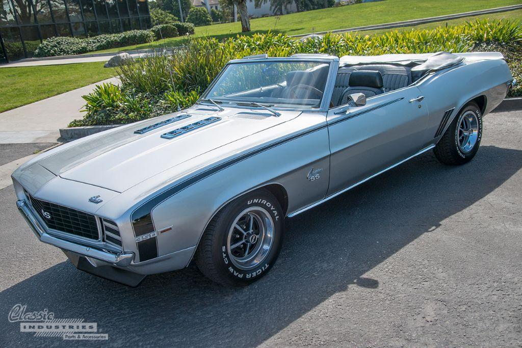 Silver '69 Camaro vert 02