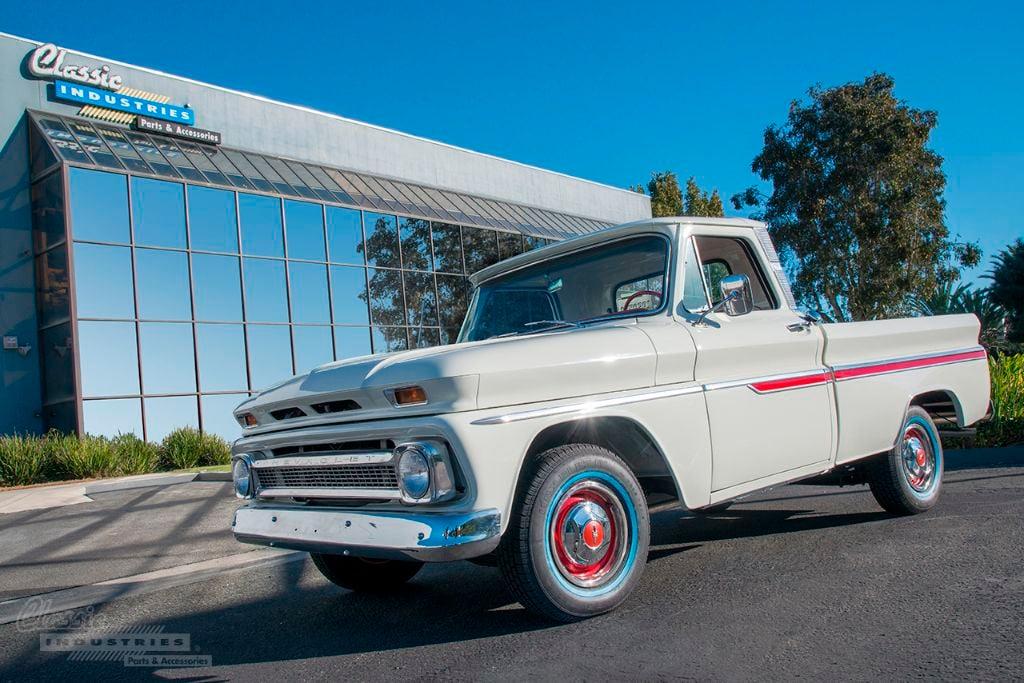 White-66-truck-Calderon-1-1