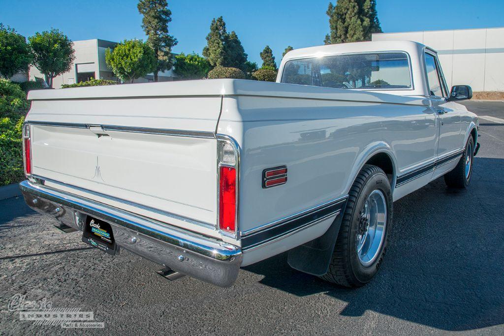 White '72 GMC 03