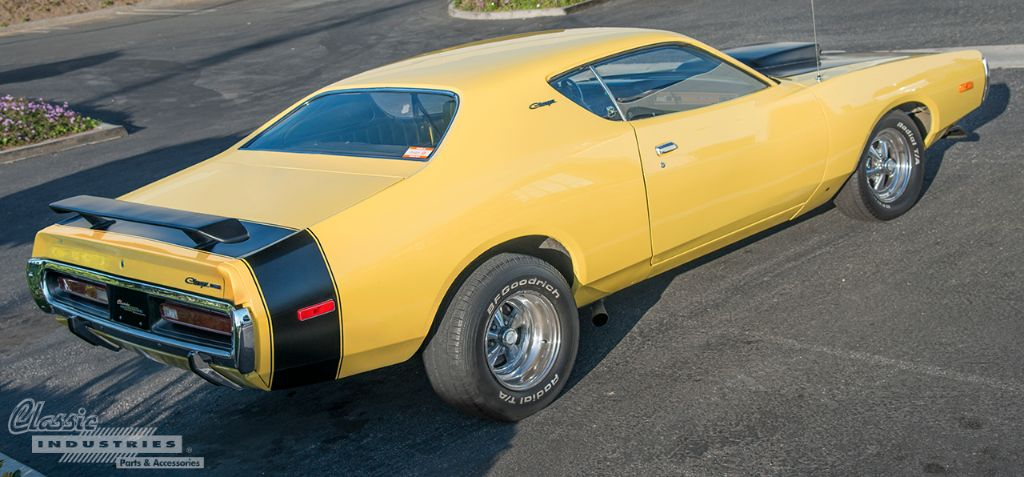 Yellow 72 Charger 02