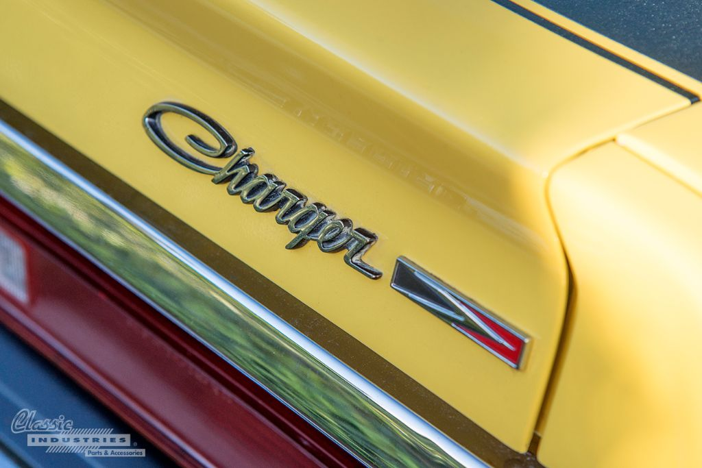 Yellow 72 Charger 04