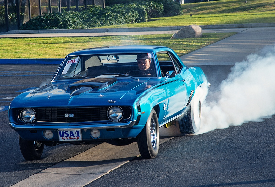 Reggie Jackson Performs Inaugural Burnout