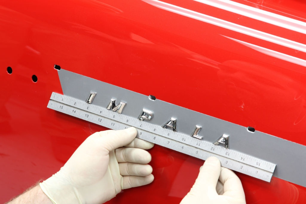 This is the groovy kind of detail you want to see in a high end Chevy hot rod. Check it out.