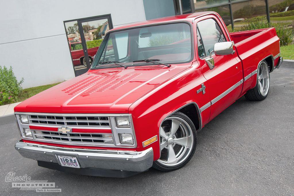 1987 Chevy Silverado - No Ordinary Parts Hauler
