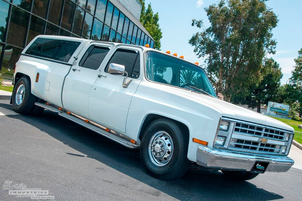 White Chevy C Dually